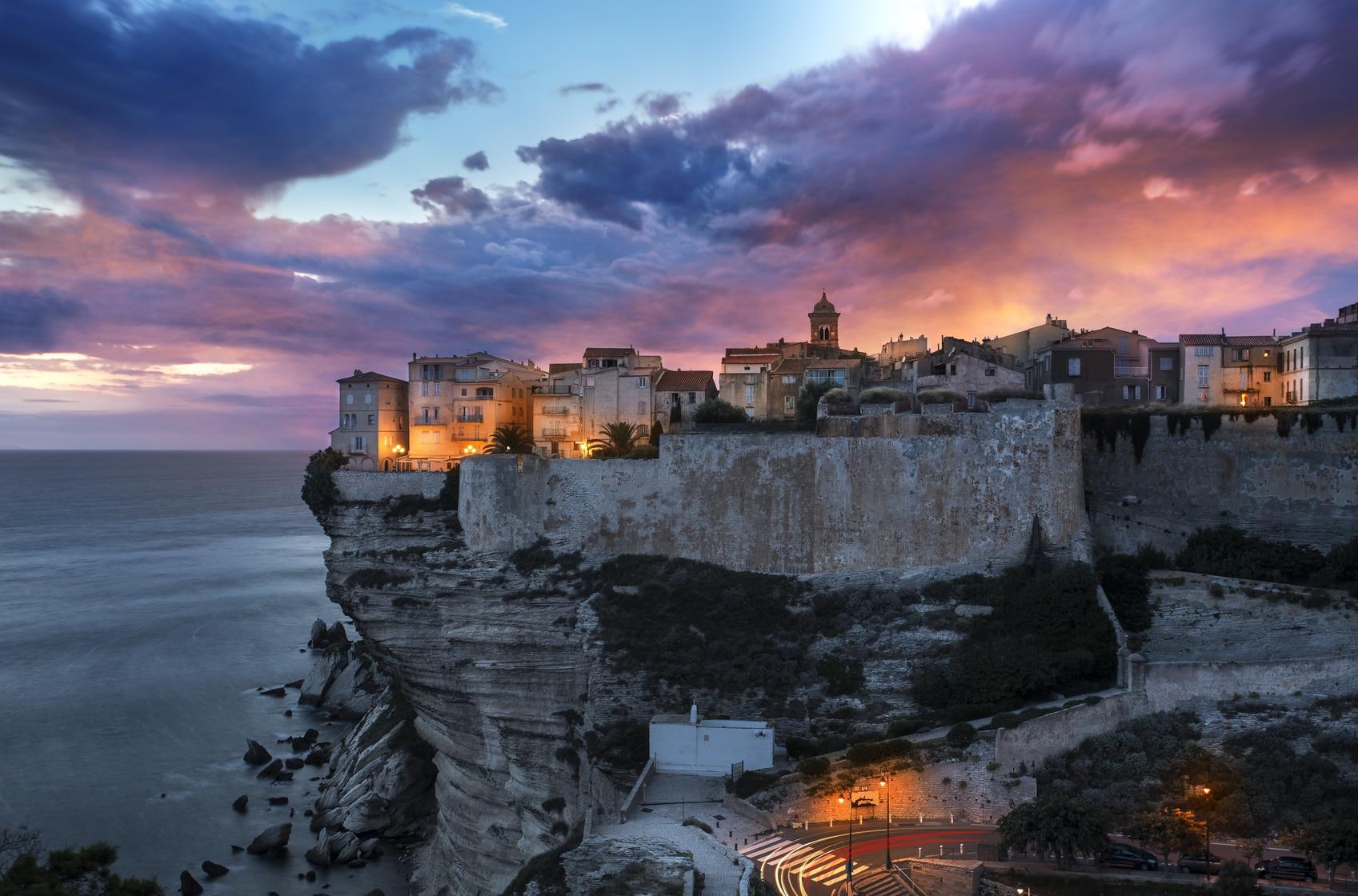 Ville de Bonifacio circuit Corse